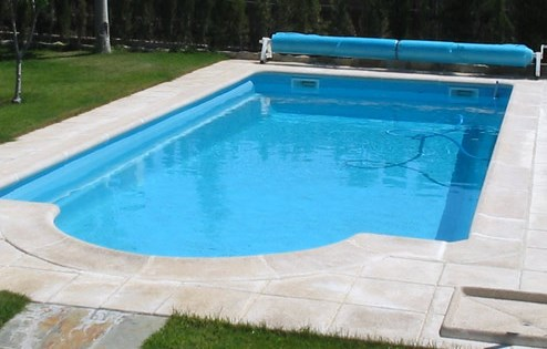 Construccion y venta de piscinas de poliester madrid for Piscina poliester